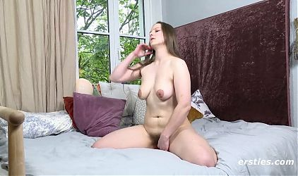 Nadine Lets Us Watch Her Private Orgasms